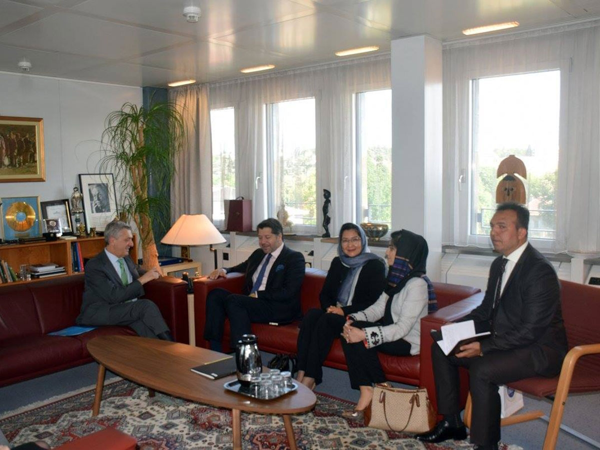 Deputy Foreign Minister Mr. Hekmat Khalil Karzai met the United Nations High Commissioner for Refugees, Mr. Filippo Grandi in Geneva